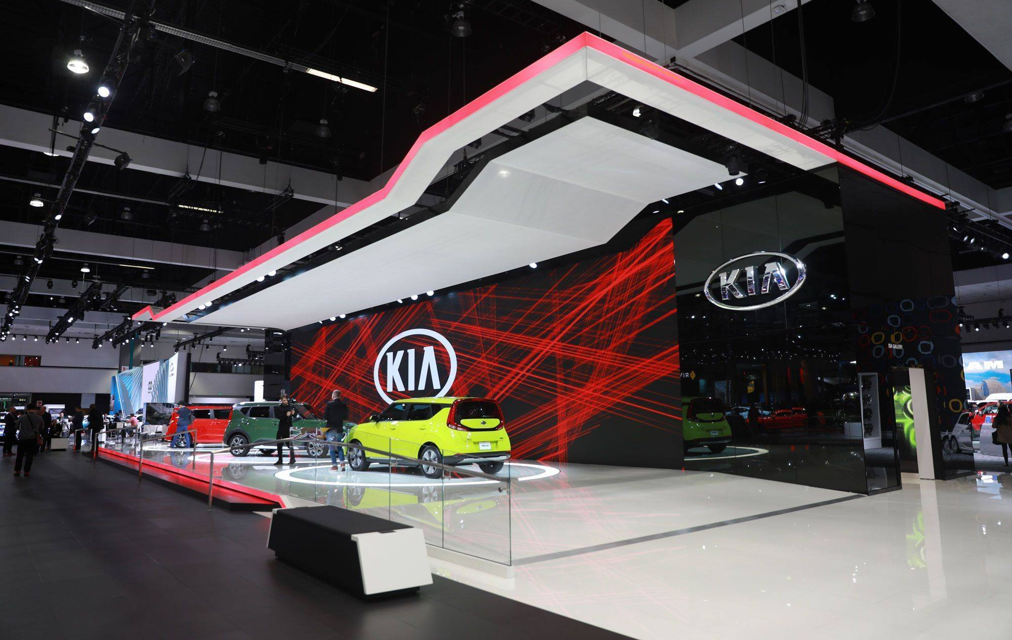 Prolyte's Verto Truss used at LA Auto Show